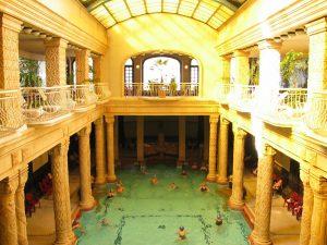 Le piscine di lusso più costose al mondo-Gellert Thermal Baths